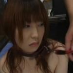 首輪をつけられて強制フェラチオされる女性【無修正】